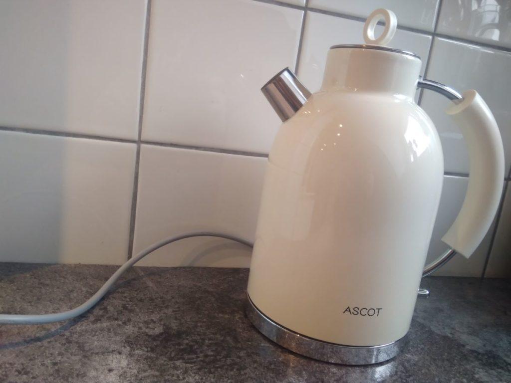 Toller Retro Wasserkocher von Ascot