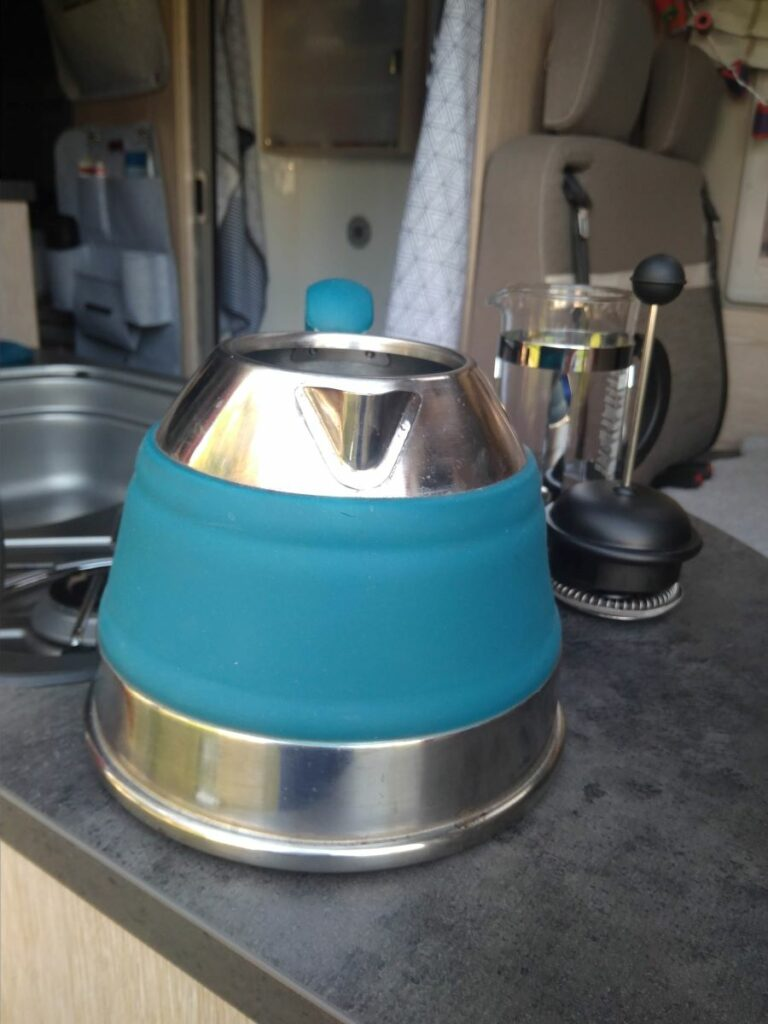 Reisewasserkocher im Einsatz im Wohnmobil